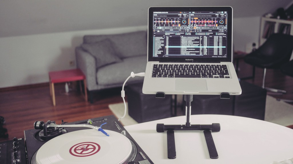 Pronomic LS-250 Laptop Stand mit Macbook Pro_13Zoll